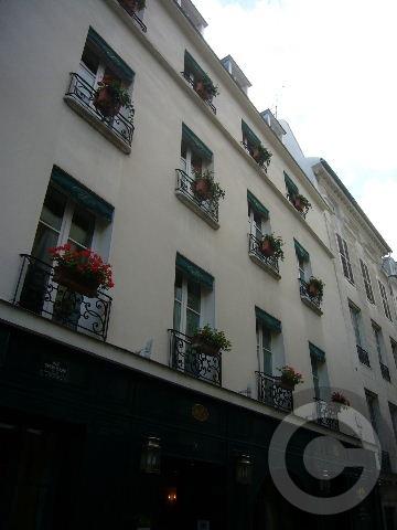 ■窓(パリ)_a0008105_2014867.jpg