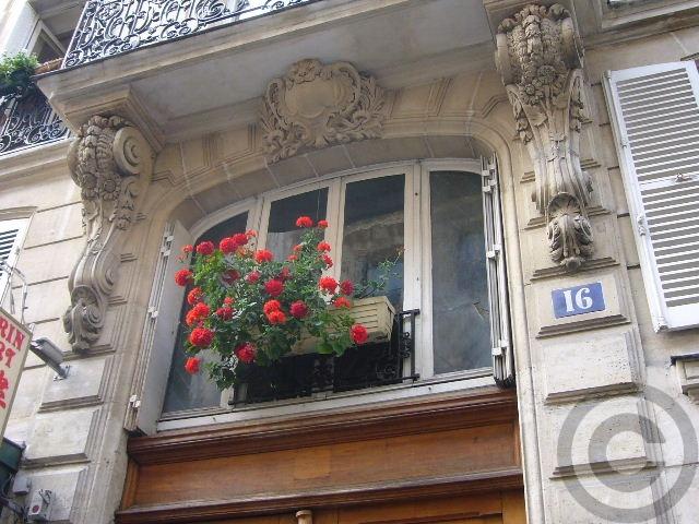 ■窓(パリ)_a0008105_204659.jpg