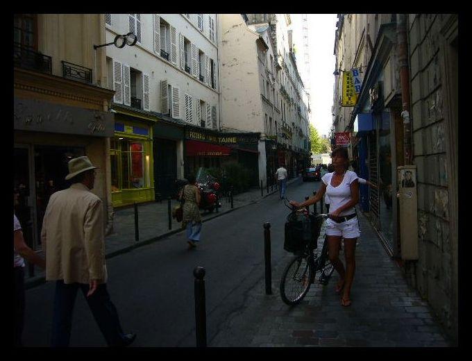 ■街角の自転車(パリ)_a0008105_7195154.jpg