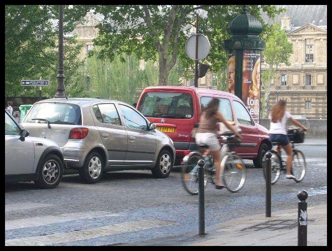 ■街角の自転車(パリ)_a0008105_7202771.jpg