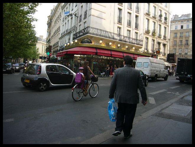 ■街角の自転車(パリ)_a0008105_720351.jpg