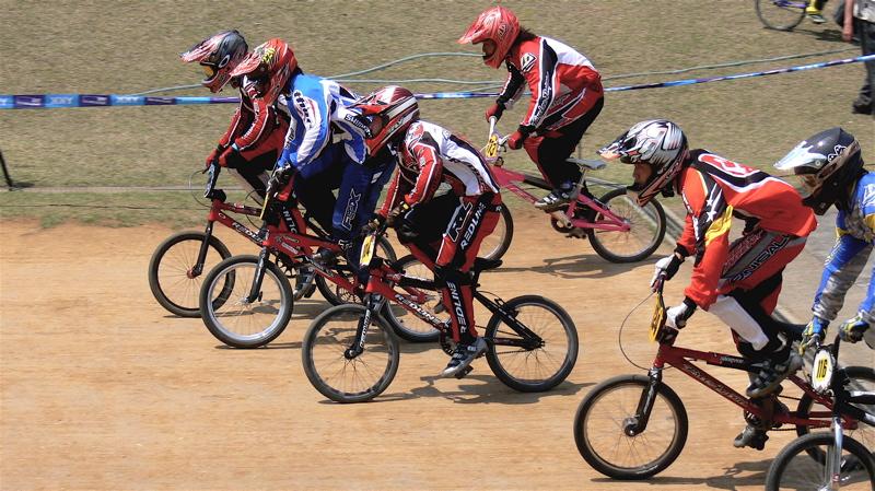 2007環太平洋BMX選手権大会IN 上越プレ大会スーパークラス予選の画像垂れ流し_b0065730_1127841.jpg