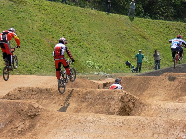2007環太平洋BMX選手権大会IN 上越プレ大会スーパークラス予選の画像垂れ流し_b0065730_11285870.jpg