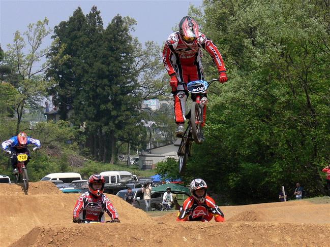 2007環太平洋BMX選手権大会IN 上越プレ大会スーパークラス予選の画像垂れ流し_b0065730_1133252.jpg
