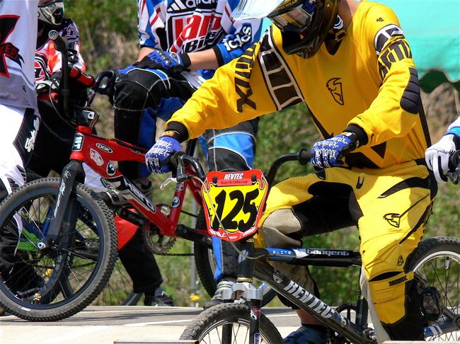 2007環太平洋BMX選手権大会IN 上越プレ大会スーパークラス予選の画像垂れ流し_b0065730_1139415.jpg