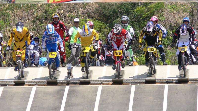 2007環太平洋BMX選手権大会IN 上越プレ大会スーパークラス予選の画像垂れ流し_b0065730_11424227.jpg