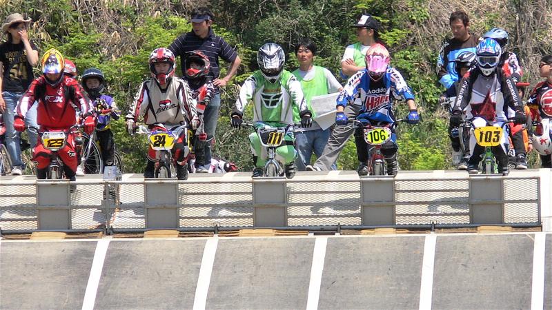 2007環太平洋BMX選手権大会IN 上越プレ大会スーパークラス予選の画像垂れ流し_b0065730_11551644.jpg
