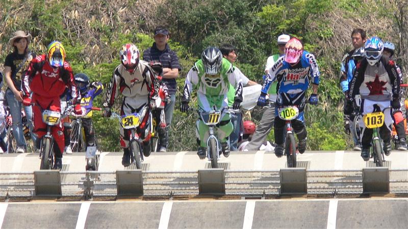 2007環太平洋BMX選手権大会IN 上越プレ大会スーパークラス予選の画像垂れ流し_b0065730_11555338.jpg