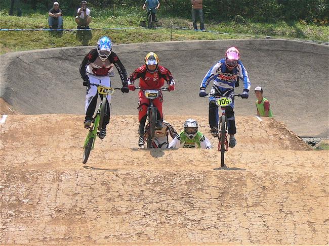 2007環太平洋BMX選手権大会IN 上越プレ大会スーパークラス予選の画像垂れ流し_b0065730_1243430.jpg