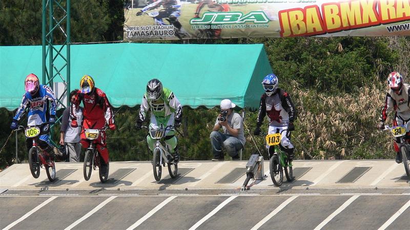2007環太平洋BMX選手権大会IN 上越プレ大会スーパークラス予選の画像垂れ流し_b0065730_1255662.jpg