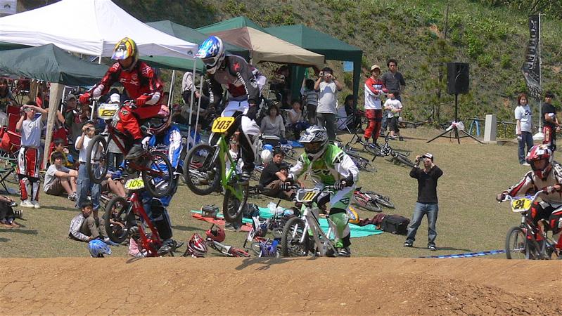 2007環太平洋BMX選手権大会IN 上越プレ大会スーパークラス予選の画像垂れ流し_b0065730_1265353.jpg
