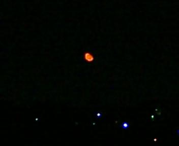 今、月が…_b0032617_23372324.jpg