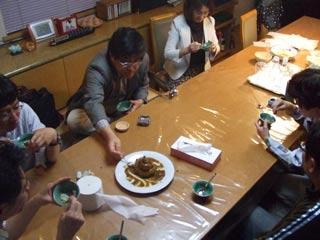 ゼミ旅行 越前焼品評会 (お食事中の方読まないで!)_b0054727_041590.jpg