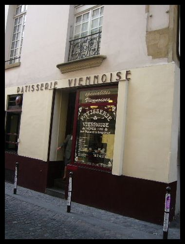 ■街角のスイーツPATISSERIE VIENNOISE(パリ)_a0014299_643307.jpg