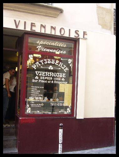 ■街角のスイーツPATISSERIE VIENNOISE(パリ)_a0014299_6435387.jpg
