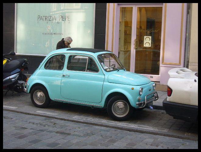 ■街角の車(パリ)_a0008105_6352150.jpg