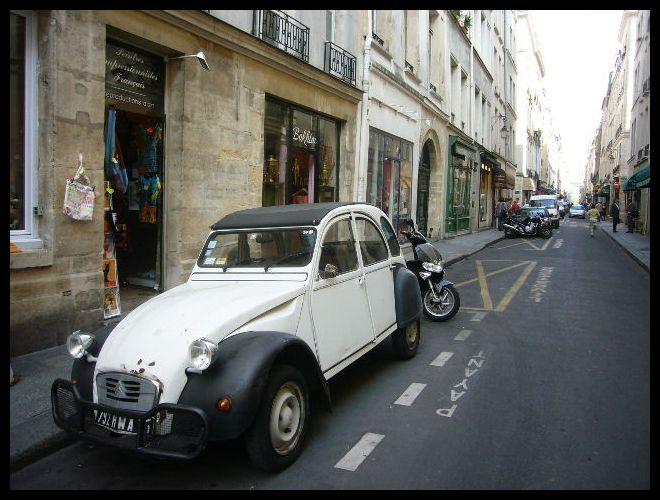 ■街角の車(パリ)_a0008105_6355984.jpg