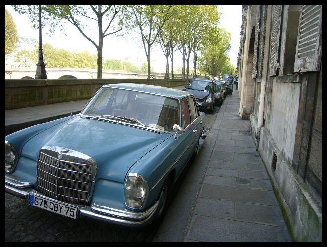 ■街角の車(パリ)_a0008105_6361142.jpg