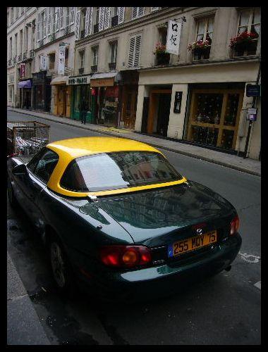 ■街角の車(パリ)_a0008105_6362288.jpg