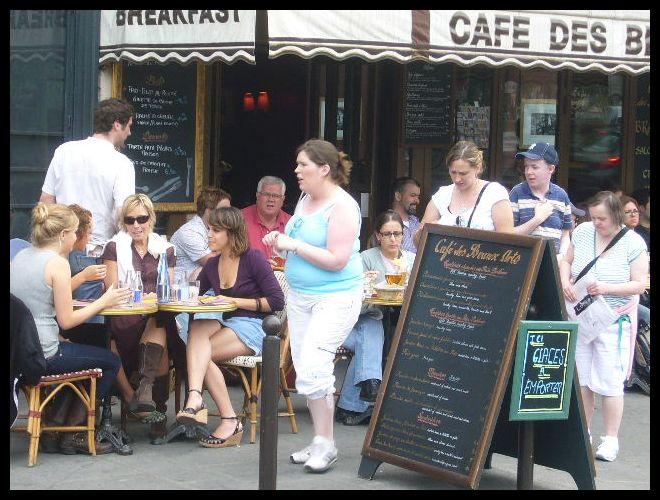 ■街角のキャフェCAFE DES BEAUX ARTS(パリ)_a0014299_6173757.jpg
