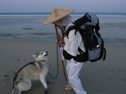 4月11日 うち戻しの道、ふたたび大岐の浜へ。_c0049299_2171622.jpg