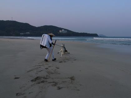 4月11日 うち戻しの道、ふたたび大岐の浜へ。_c0049299_2194210.jpg