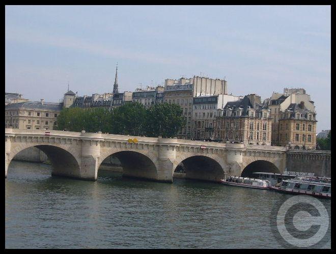 ■日曜日のセーヌ(パリ)_f0063227_1912253.jpg
