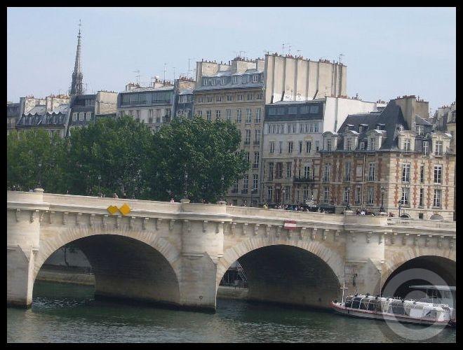■日曜日のセーヌ(パリ)_f0063227_1913990.jpg
