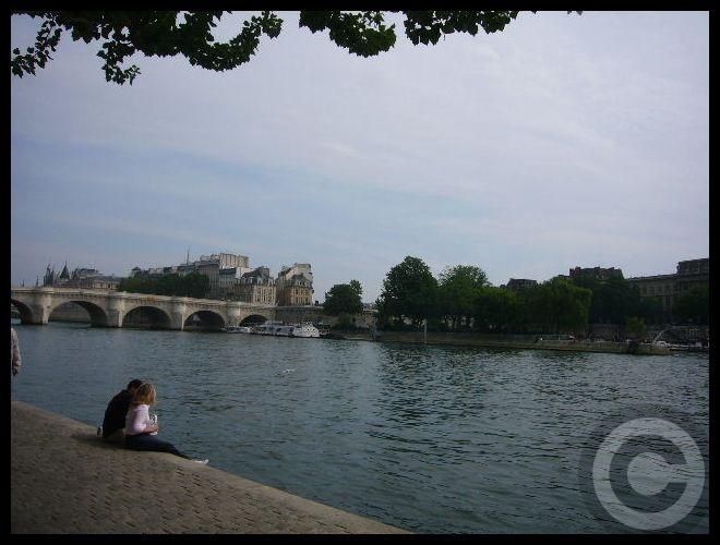 ■日曜日のセーヌ(パリ)_f0063227_1915315.jpg