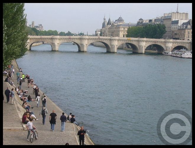 ■日曜日のセーヌ(パリ)_f0063227_191738.jpg
