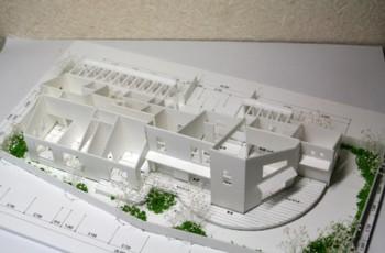 """1階建住宅の暮らしを楽しむ""""アシンメトリーの家 """"の模型もホームページに記載しています._d0082356_10471792.jpg"""