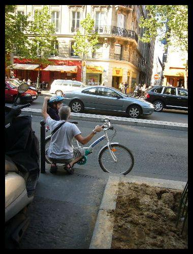 ■街角の自転車(パリ)_a0008105_621732.jpg