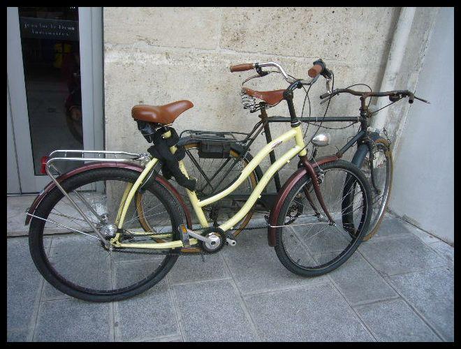 ■街角の自転車(パリ)_a0008105_62374.jpg