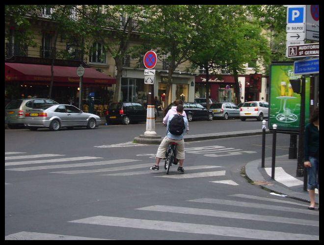 ■街角の自転車(パリ)_a0008105_633392.jpg