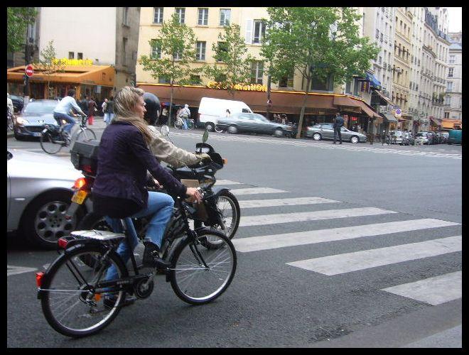 ■街角の自転車(パリ)_a0008105_634916.jpg