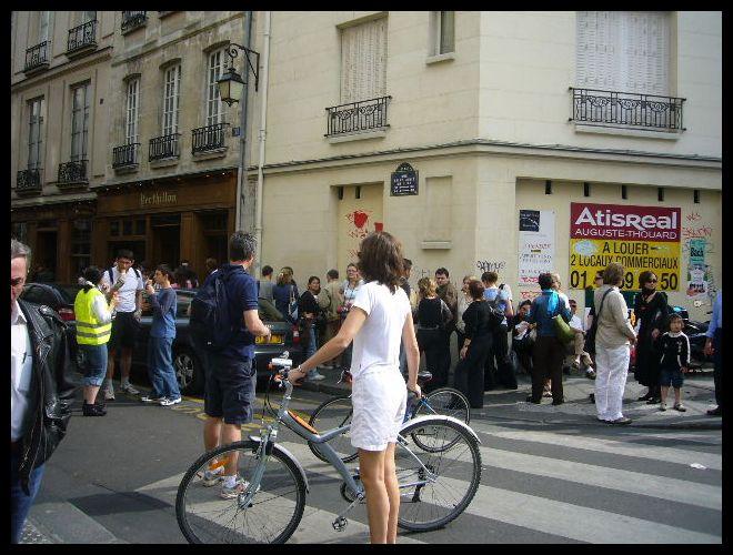 ■街角の自転車(パリ)_a0014299_5381365.jpg