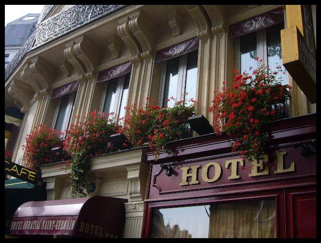 ■窓(パリ)_a0008105_0244861.jpg