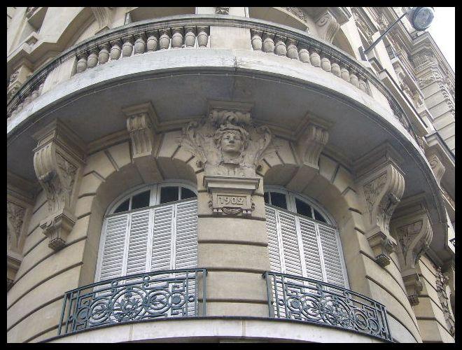 ■窓(パリ)_a0008105_0252412.jpg