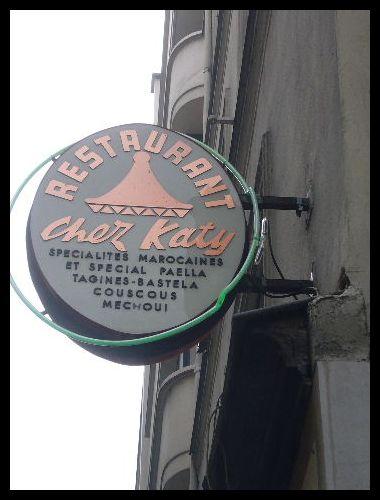 ■街角の看板(パリ)_a0008105_0333115.jpg