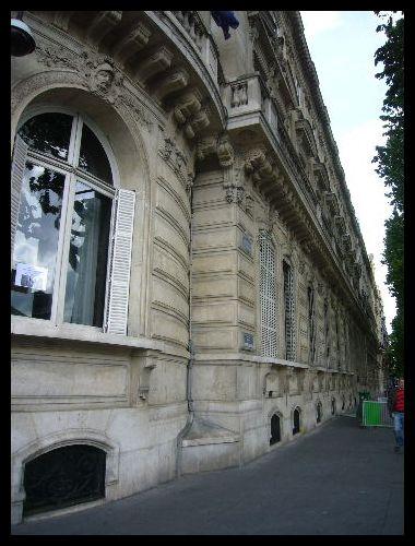 ■サンジェルマン大通り始めと終わり(パリ)_a0008105_9122911.jpg