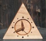 ツルツル仕上げ「三角置き時計」_a0097817_1634641.jpg