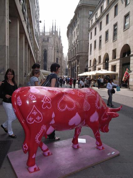 ミラノでカウパレードに遭遇。_a0077842_14231888.jpg