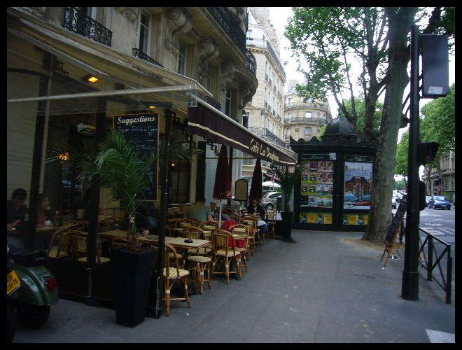 ■街角のキャフェ(パリ)_a0014299_55729100.jpg