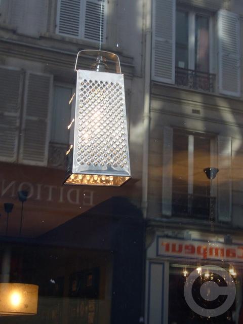 【KARL】街角のレストラン(パリ)_a0014299_1994525.jpg