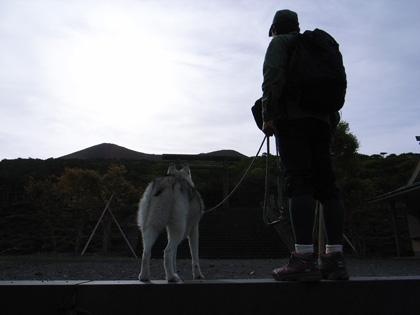 5月14日 ツツジはまだかいな~♪in Mt.Takachiho_c0049299_12211576.jpg