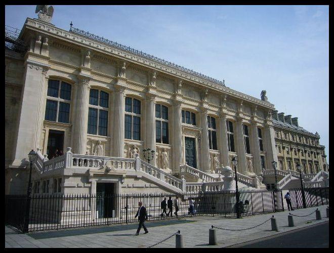 ■最高裁判所(パリ)_a0008105_9253922.jpg