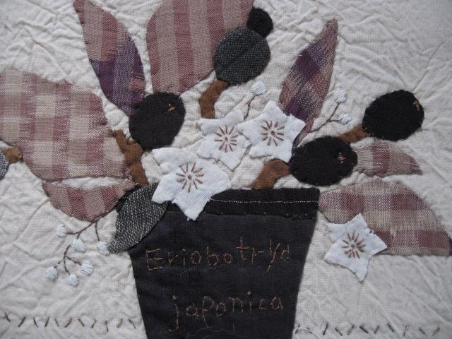 布絵・・・枇杷の実とヤマホロシの花_d0101846_12431223.jpg