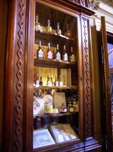 サンタ・マリア・ノヴェッラ薬局の歴史_f0106597_1563846.jpg