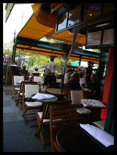■街角のレストラン(パリ)_a0014299_8572197.jpg