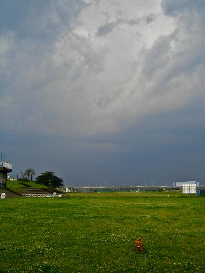嵐が来るぞ_d0028499_13391455.jpg